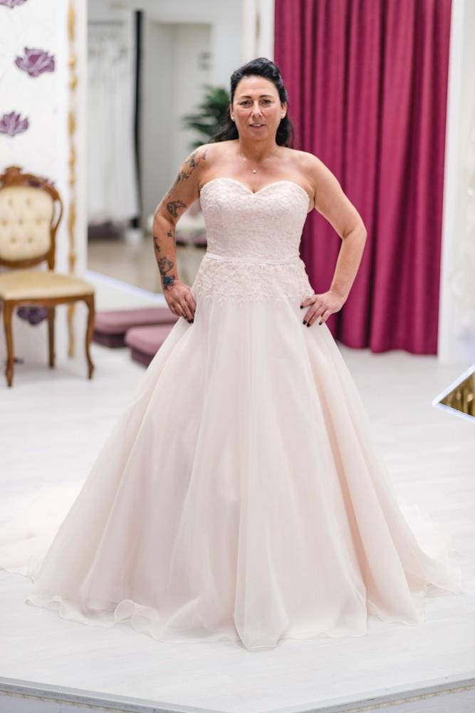 Moni's Braut-& Abendmoden 1