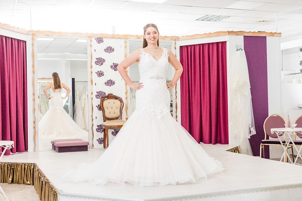 Brautmode Frühjahr 2019 Moni's Braut- und Abendmoden Hamm Mermaidtail Brautkleid