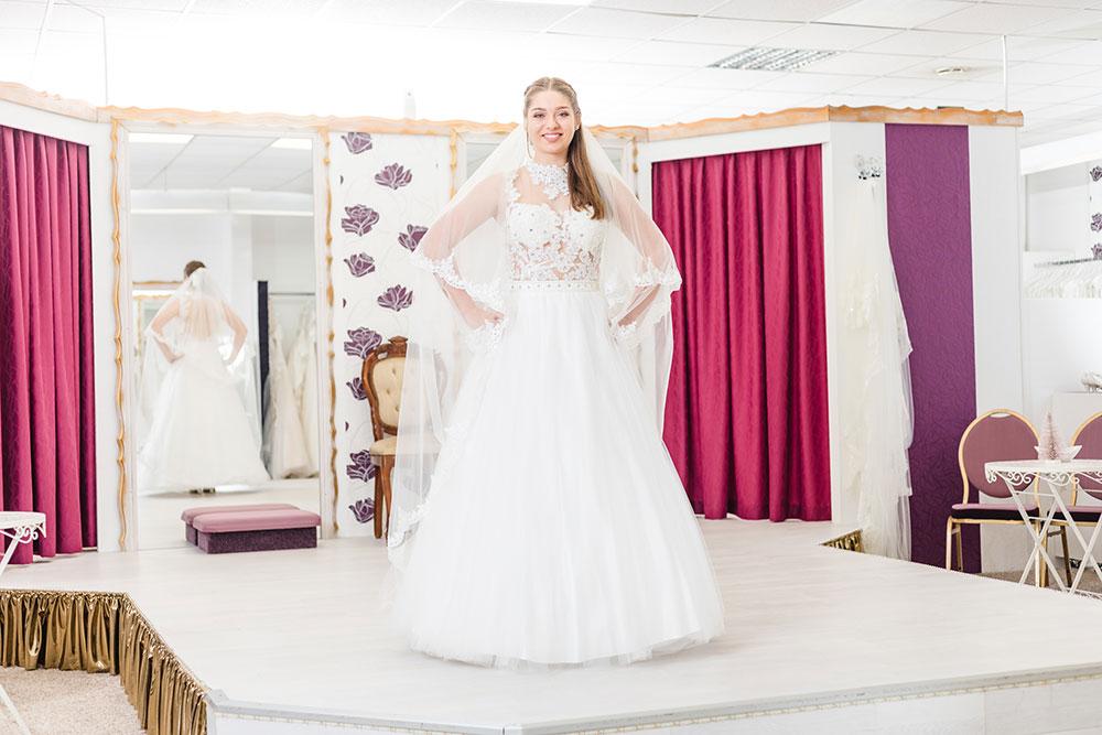 Brautmode Frühjahr 2019 Moni's Braut- und Abendmoden Hamm Brautkleid